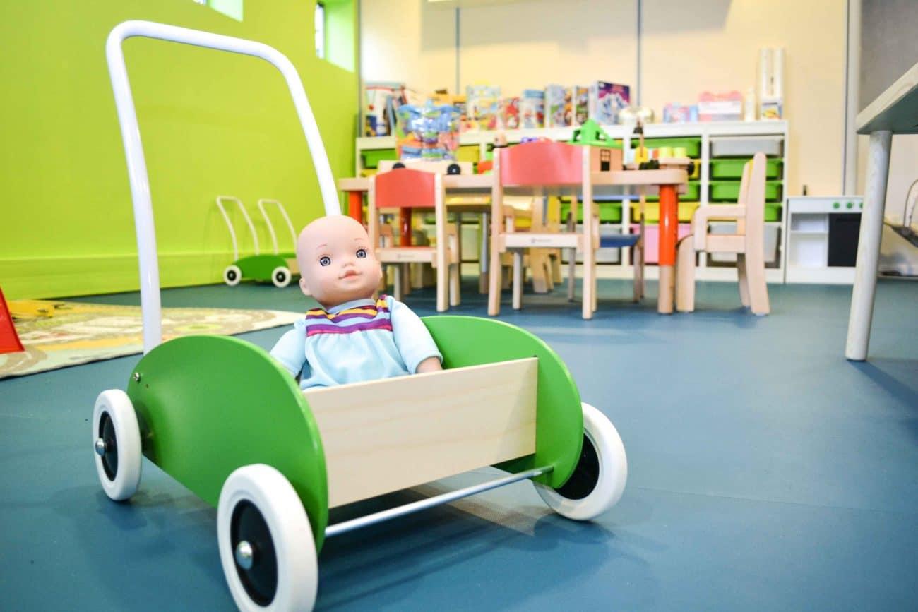 Jouet et poupée pour enfants micro-crèche rouen granny