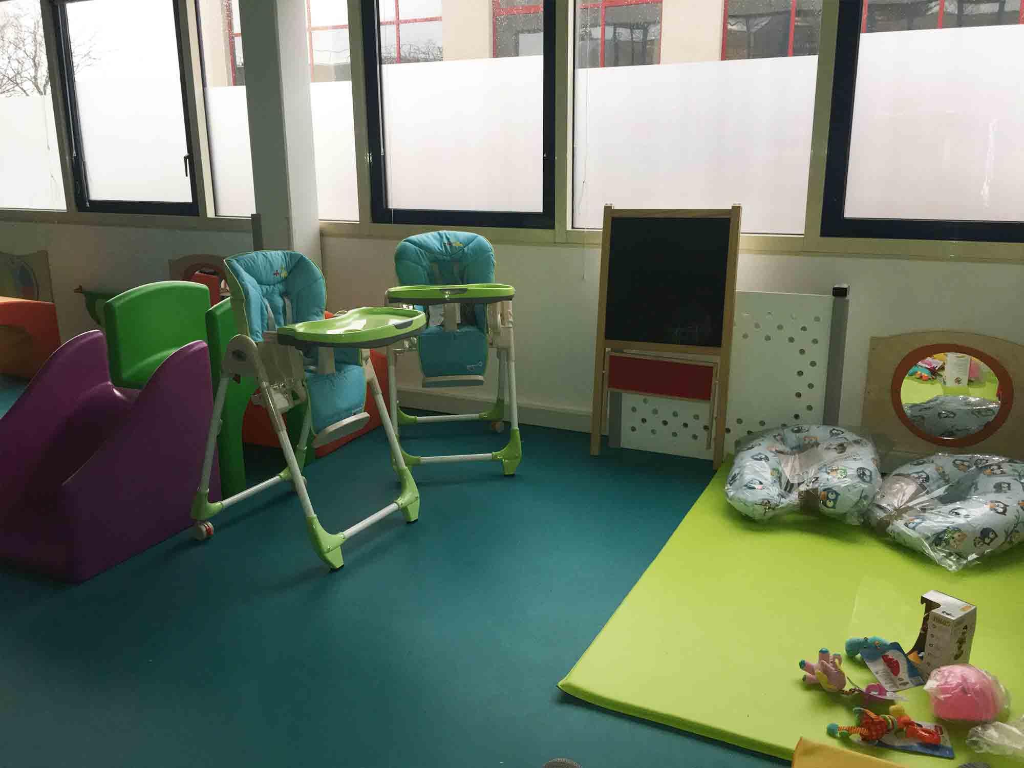 bois guillaume notre micro cr che et garde d 39 enfants les f es lucioles. Black Bedroom Furniture Sets. Home Design Ideas